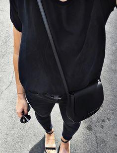 Le parfait total look noir #180 (blog Audrey Lombard)