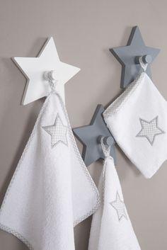 Die roba Home Collection - Trendiges Aussehen macht jedes Kinderzimmer zum absoluten Hit!  #sterne #stars #littlestars #homecollection #deko #möbel #furniture #baby #kids #children #dekoration #kinder #kinderzimmer #childsroom #bedroom #nursery  #white #grey #weiß #grau #handtuch #waschlappen #hygiene #towel #washcloth