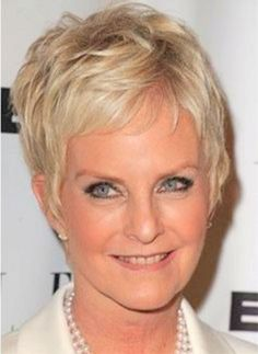 Short Hairstyles For Women Over 40 Short Haircuts For Women Over 40 With Curly Hair Best Hairstyle