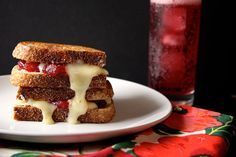 Joy the Baker – Cranberry Brie Grilled Cheese. This yummy looking sammy uses leftover cranberry sauce, Brie & stone ground mustard. Can't wait for leftovers! Delicious Sandwiches, Wrap Sandwiches, Thanksgiving Recipes, Fall Recipes, Thanksgiving Leftovers, Cranberry Cheese, Cranberry Sauce, Soup And Sandwich, Brie Sandwich