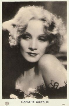 Marlene Dietrich | French postcard by Europe, no. 2060. Photo: Paramount. Publicity still for Shanghai Express (Josef von Sternberg, 1932)