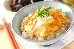お揚げの卵とじ丼のレシピ・作り方 - 簡単プロの料理レシピ   E・レシピ