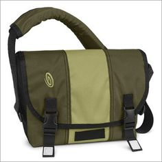 cdb61f1c32 Guys - a messenger bag is helpful to hold your water bottle