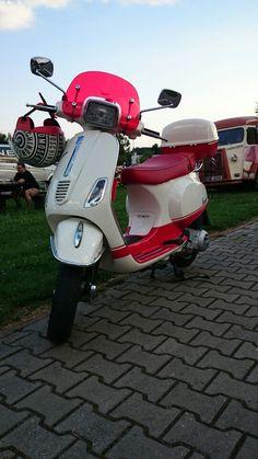Vespa red&white