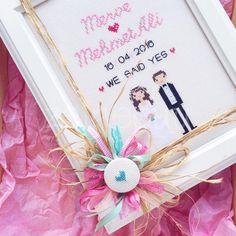 Gözde hanım*ın hediye etmek üzere istediği kişisel pano temamız gelin/damat , düğün , nikahtı :) pembe tonları ile detaylandırdı...
