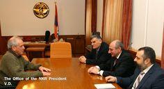 El presidente de la República de Nagorno Karabaj (NKR; Artsaj) Bako Sahakian recibió el sábado al renombrado historiador y erudito israelí Yair Auron, quien es profesor asociado en la Universidad Abierta de Israel.