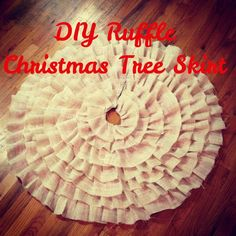 DIY Christmas Tree Ruffle Skirt (NO SEW) beats paying $40+ for a tree skirt. And it's cuter.