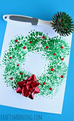 Dish Brush #Christmas Wreath Craft for Kids | CraftyMorning.com #preschool