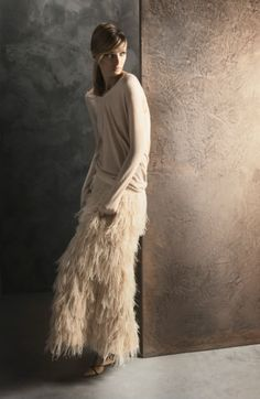 Massimo Dutti ~ nude ~ feathery-love this skirt - looks like would be great for ballroom dancing Fashion Art, Womens Fashion, Fringe Fashion, Looks Style, Style Me, Mode Rose, Feather Skirt, Mein Style, Look Chic