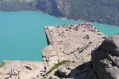 Cliff Base, Norvège