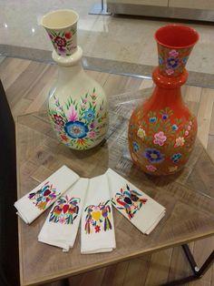 Bordados Otomies hechos a mano OTOMI embroidery. TENANGO,Hidalgo.MÉXICO !!! Bordados de Tenango, manteles, caminos, servilletas, ropa, bolsos tipo clutch....Visita nuestra pagina de Face https://www.facebook.com/holasenorita  Whats. 5514771431. SENDING WORLWIDE ✈✈✈