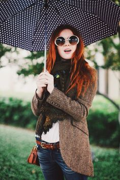 OH I love this look! I would love to find an umbrella like this and oh I love everything!
