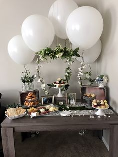 New ideas simple bridal shower invitations dessert tables Baby Shower Ideas For Girls Themes, Baby Shower Themes Neutral, Cute Baby Shower Ideas, Baby Ideas, Bridal Shower Desserts, Bridal Shower Tables, Bridal Shower Balloons, Wedding Balloon Decorations, Bridal Shower Decorations