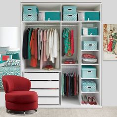 10 Simple Tips to Declutter Your Home Small Room Bedroom, Room Decor Bedroom, My Room, Storage Room Organization, Wardrobe Organisation, Organizar Closet, Organizing Hacks, Diy Upcycling, Ideas Para Organizar