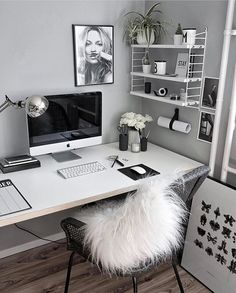 31 White Home Office Ideas To Make Your Life Easier; home office idea;Home Office Organization Tips; chic home office. Home Office Design, Home Office Decor, House Design, Home Decor, Office Designs, Office Furniture, Business Office Decor, Cozy Home Office, Design Offices