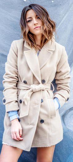 Alexandra Pereira is wearing a robe coat from Oxygene