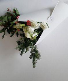 Bouquet du jour | Oursin Fleurs    lisianthus + veronica+ chrysanthème + sapin + baies de poivre rose + oeillet