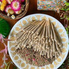 Herbal Remedies, Natural Remedies, Herbal Magic, Puff And Pass, Smoking Weed, Herbal Medicine, Natural Medicine, Herbalism, Homemade
