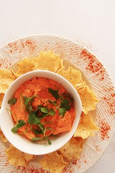 For your Super Bowl party: Touchdown There Buffalo Chicken Dip @ www.apronandheels.com