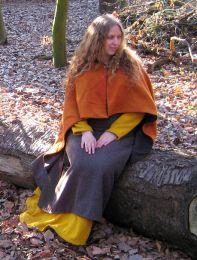 Viking ensemble with short rectangular cape. By goldlocke