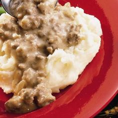 School House Hamburger Gravy - - School House Hamburger Gravy Yummers This is an old favorite to many of us , who remember the ground beef over rice or mashed instant potatoes of the good ol' days…LOL Photo from Betty Crocker-not the recipe though. Hamburger Sauce, Hamburger Meat Recipes, Beef Meals, Best Hamburger Gravy Recipe, Beef Gravy Recipe, Betty Crocker, Beef Dishes, Food Dishes, Main Dishes