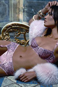 Desiderio Pink Bra Valisere Tabu Desiderio fine feminine pink under-wired push up bra with side straps.