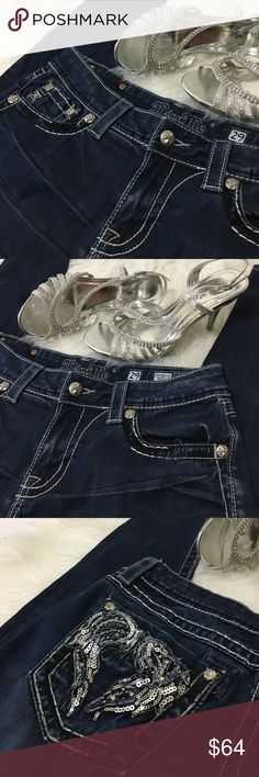 ✨Miss Me Jegging ✨ Excellent condition, no signs of wear. Straight across the waist measures 16 inches, front rise is 7 1/2, and inseam is 30. Miss Me Jeans Skinny