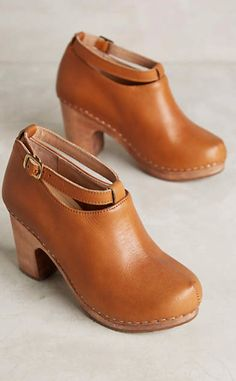 Cubanas Hanka Clogs #anthrofave