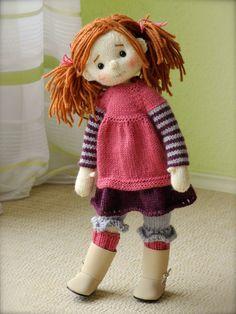 making new dolls Knitted Dolls, Crochet Dolls, Doll Crafts, Yarn Crafts, Knitting For Kids, Knitting Toys, Knitted Animals, Crochet Doll Pattern, Waldorf Dolls