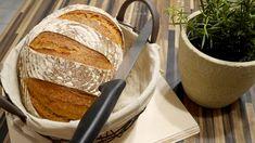 Dinkelbauernbrot – rustikal durch Roggen und Sauerteig – BrotAberLecker Spelled bread - rustic with rye and sourdough - BrotAberLecker. Savoury Baking, Bread Baking, Baguette Recipe, Spelt Bread, Cooking Chef, Bakery Cakes, Vegan Sweets, Bread Rolls, Pampered Chef