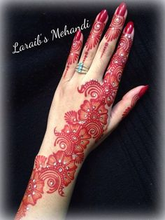 35 Latest Arabic Mehndi Designs - From Simple To Grand – Lifestyle Mehndi Designs Finger, Latest Arabic Mehndi Designs, Back Hand Mehndi Designs, Mehndi Designs For Girls, Mehndi Design Photos, Unique Mehndi Designs, Mehndi Designs For Fingers, Beautiful Henna Designs, Mehndi Designs Book