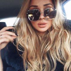 Um óculos de sol nada básico para o seu fim de ano: que tal investir no Dior Stellaire?!  #oticaswanny #anastasyachernook #dior #diorstellaire