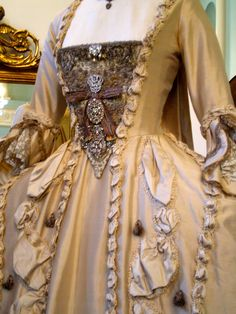 Keira Knightley's Wedding Dress bodice detail in 'The Duchess', 2008. Designed by Michael O'Connor.
