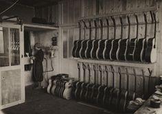 """""""Atelier de vernissage de guitares"""""""