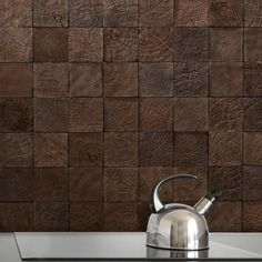 Endgrain tiles in #ceramic. These #tiles #handcrafted by San Francisco #sculptor John Whitmarsh are part of @cletile's  Reconstruction Studies collection. Details on the blog (link in profile).   // #artisan #architecture #backsplash #ceramics #design #decor #creative #home #homedecor #homeinspo #inspiration #interiors #lumber #reclaimed #sustainable #tiledesign #tileaddiction #tileometry #tilestyle #wall #walltile by tileometry