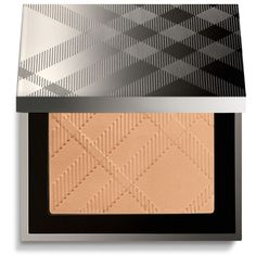 Burberry Nude Powder - Honey No.32 (59 CAD) ❤ liked on Polyvore featuring beauty products, makeup, face makeup, face powder, beauty and burberry
