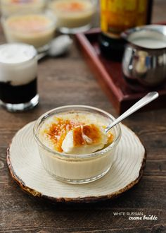 A recipe for White Russian Creme Brûlée: Two timeless classics come together, elevating a classic custard with notes of Kahlúa. White Russian, Creme Brulee Cake, Creme Brulee Cheesecake, Make Ahead Desserts, Köstliche Desserts, Dessert Recipes, Filipino Desserts, Oreo, The Menu