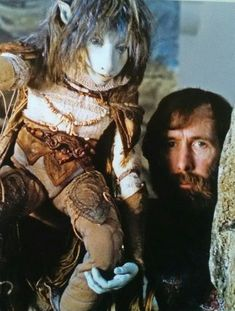 """jimhenson-themuppetmaster: """"Jim Henson performs an early Jen prototype in a test film of The Dark Crystal, late """" Dark Crystal Movie, The Dark Crystal, Dream Dark, Fantasy Fiction, Jim Henson, Music Film, Fantasy Creatures, Dark Fantasy, Faeries"""