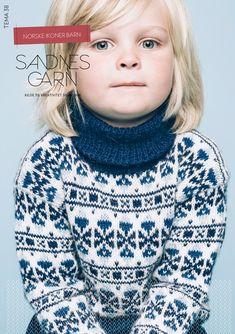 Fin genser i blå og hvit, se jente med knuter på hodet, smartgarn