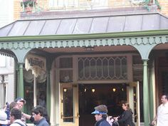 Breakfast in the Magic Kingdom | Tips from the Disney Divas and Devos