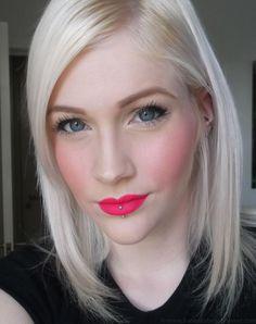 Hannah's Beauty Sweet: Beauty Blog. Sleek Matte Me Lipsticks, pink matte lips