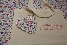 Curso gratis aplicaciones en tela (6)                                                                                                                                                                                 Más Brazilian Embroidery, Couture, Learn To Sew, Hand Embroidery, Patches, Quilts, Sewing, Patchwork Ideas, Youtube Youtube