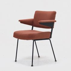 Model 1262 arm chair from the sixties by André Cordemeyer for Gispen Sofa Chair, Armchair, Art Furniture, Rotterdam, Furnitures, Metal Art, Vintage Designs, 1960s, Dining Chairs