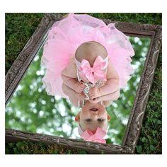 16 New Ideas For Baby Girl Photography Birthdays Photo Shoot Baby Kalender, Baby Monat Für Monat, Photo Bb, 6 Month Baby Picture Ideas, 3 Month Photos, 1st Birthday Pictures, Baby Girl Photography, Photography Ideas, Infant Photography