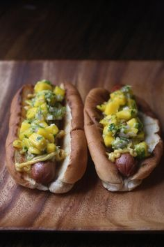 Bombay Hot Dogs with Mango Relish and Curried Mayo #lunchbox
