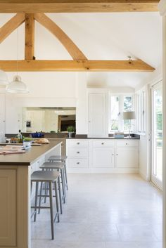 The Old Forge House, Hertfordshire | Humphrey Munson | Beautiful Handmade Kitchens #humphreymunson #shakerkitchen