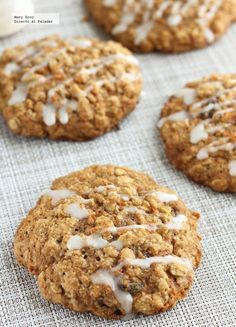 Unique and Creative Oatmeal and carrot cookies. Formula Formula oatmeal and carrot cookies. Desserts Sains, Köstliche Desserts, Dessert Recipes, Baking Recipes, Cookie Recipes, Deli Food, Yummy Food, Tasty, Healthy Desserts