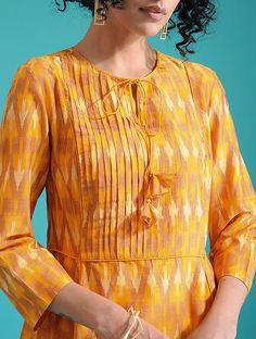Salwar Suit Neck Designs, Neck Designs For Suits, Kurta Neck Design, Saree Blouse Neck Designs, Kurta Designs Women, Designs For Dresses, Dress Neck Designs, Salwar Designs, Blouse Designs