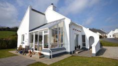 Killygarvan Holiday Cottage This lovely cottage is situated about 1km from Rathmullan village and is only a 5 min. walk from the marvellous Kinnegar beach. Built to the highest specifications in 1999 the cottage is one …
