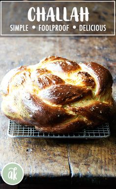 challah bread Hollys Challah makes me wanna Holla Holla! This simple challah bread recipe bakes into a perfectly golden, light and airy loaf. My friend wait for it Holly taught me how to make it, and it is perfection. Challah Bread Recipes, Jewish Recipes, Bread And Pastries, Crockpot, Fudge, Bread Rolls, Bread Baking, No Yeast Bread, Gourmet